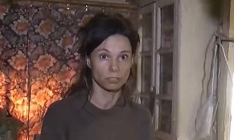 Κρατούσε την κόρη της φυλακισμένη για 26 χρόνια - Σοκάρουν οι εικόνες