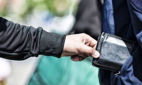 Πώς θα σου κλέψουν το πορτοφόλι και δεν θα το καταλάβεις