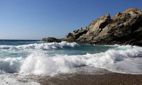 Τρόμος σε παραλία! Κοριτσάκι συνάντησε «Θαλάσσιο Δαίμονα» (pics)
