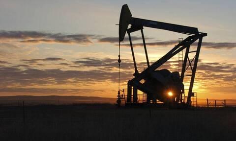 Πτώση της τιμής στο πετρέλαιο μετά την αναζωπύρωση του κορονοϊού