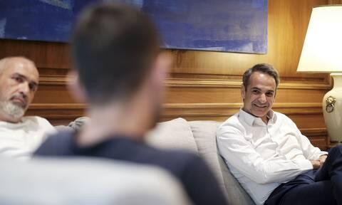 Ο Μητσοτάκης συνάντησε πολίτες που νίκησαν την μάστιγα των ναρκωτικών