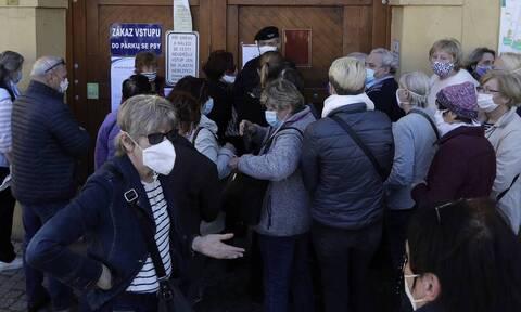Κορονοϊός Τσεχία: Αύξηση κρουσμάτων την ώρα που αρχίζουν οι διακοπές