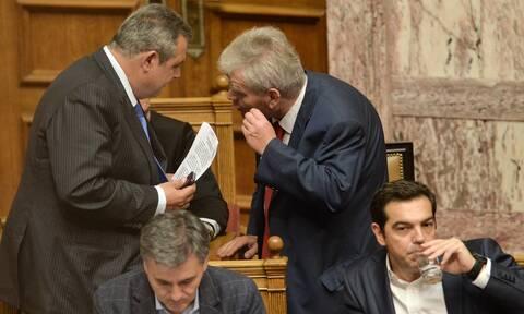 Νέες συνομιλίες: Τι έλεγαν Παπαγγελόπουλος-Καμμένος μπροστά στον Τσίπρα