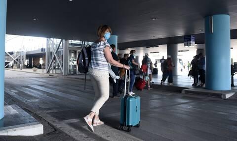 Κορονοϊός - Τουρισμός: Με «έξυπνα» barcode ο έλεγχος στους τουρίστες