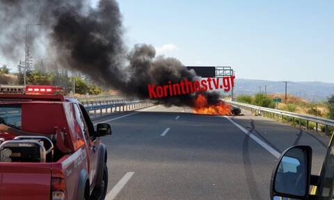 Φωτιά: Αυτοκίνητο τυλίχθηκε στις φλόγες στην Εθνική οδό Αθηνών – Κορίνθου