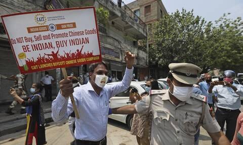 Ινδία: Οργή για την αστυνομική βία μετά τον θάνατο πατέρα και γιου