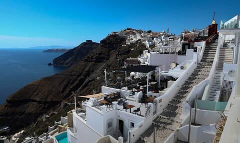 Αντίστροφη μέτρηση: Η Ελλάδα ανοίγει τις πύλες της από 1 Ιουλίου -  Έτσι θα ελέγχονται οι τουρίστες