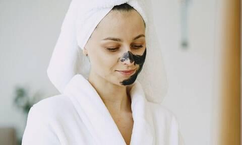 Αυτό είναι το μυστικό για να μην φράζουν οι πόροι του δέρματός σου