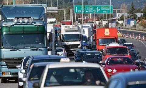 Κίνηση: Τροχαίο στην Αττική Οδό - «Κόλαση» οι δρόμοι