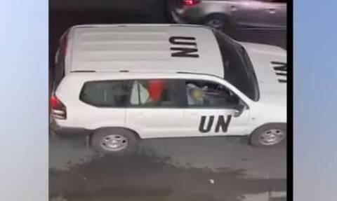 Σάλος: Ασυγκράτητο ζευγάρι κάνει σεξ σε αυτοκίνητο