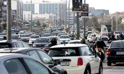 Κίνηση στους δρόμους: «Κόλαση» η Αθηνών-Λαμίας