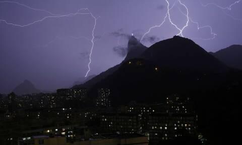 Δέος: Η μεγαλύτερη καταιγίδα στην ιστορία - 709 χιλιόμετρα γεμάτα κεραυνούς
