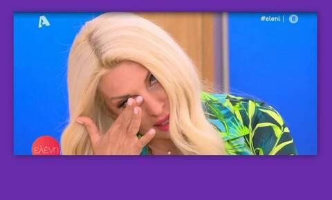 Ελένη Μενεγάκη: Ξέσπασε σε κλάματα όταν άκουσε το τραγούδι «Κόκκινη γραμμή»