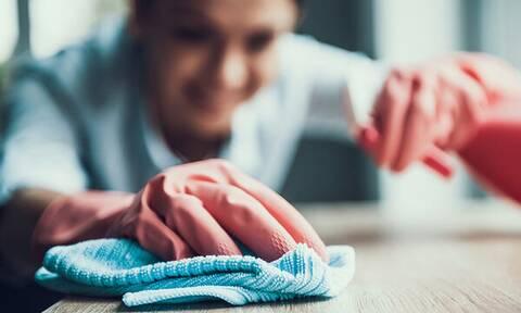 Πώς θα χρησιμοποιήσετε την αμμωνία στην καθαριότητα του σπιτιού