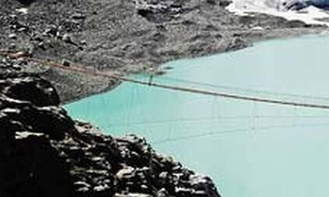 Την αποκαλούν την πιο τρομακτική γέφυρα - Θα την περνούσες;
