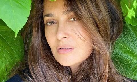 Δες την Salma Hayek, ετών 53, εντελώς αμακιγιάριστη