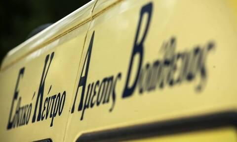 Ελασσόνα: Κατέρρευσε έξω από Κέντρο Υγείας μετά από συνεχόμενα τσιμπήματα