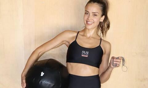 Κάντο όπως η Jessica Alba: Η πιο αποτελεσματική άσκηση για τα πόδια