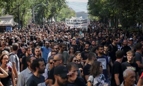 Πολιτική αντιπαράθεση για το νομοσχέδιο για τις διαδηλώσεις - Τι προβλέπει