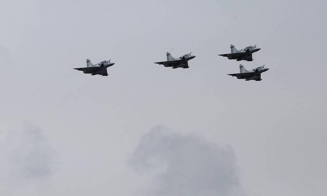 Νέες προκλήσεις από την Τουρκία: F-16 πέταξαν πάνω από ...