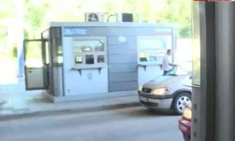 Καβάλα: Αμείωτη η κίνηση των αυτοκίνητων στο Προμαχώνα (vid)