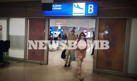 Репортаж Newsbomb.gr: Греция встречает первых гостей