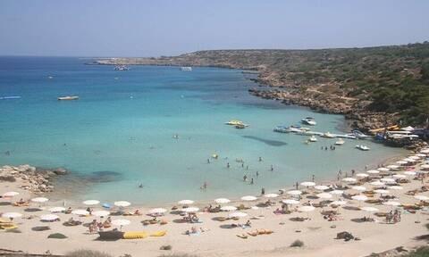 Дорожная полиция Кипра запретила парковать машины на набережной Конну и Каво Греко