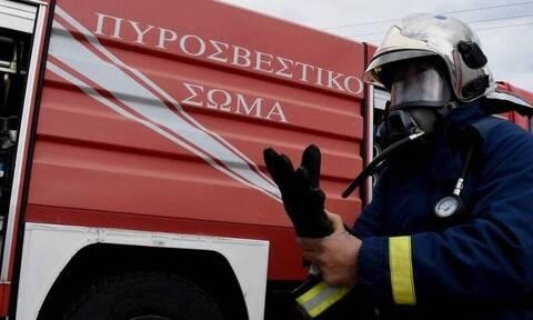 Πυρκαγιά σε σχολικό στην Εθνική, στο ύψος της Χαλκηδόνας