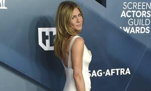 Jennifer Aniston: Στα 51 της ποζάρει χωρίς μακιγιάζ και είναι κάπως έτσι