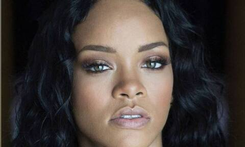 Rihanna: Πάρε υπογλώσσιο! Δείτε τη με «καυτά» ροζ εσώρουχα (pics)