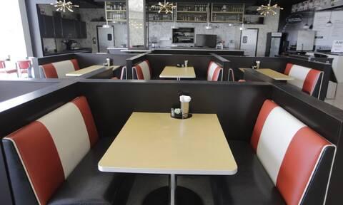 Κορονοϊός στις ΗΠΑ: Κλείνουν μπαρ και εστιατόρια στην Καλιφόρνια για τρεις εβδομάδες