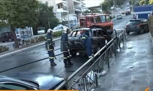 Γαλάτσι: Αυτοκίνητο τυλίχθηκε στις φλόγες - Κυκλοφοριακό χάος