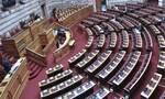 «Μάχη» για τις διαδηλώσεις στη Βουλή: Οι πρώτες αντιδρασεις στο νομοσχέδιο