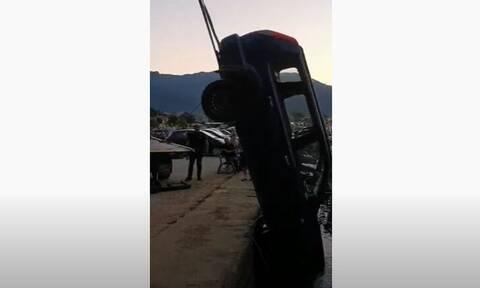 Θάσος: Πάρκαρε το αυτοκίνητο για να πάει για καφέ και το βρήκε στη θάλασσα