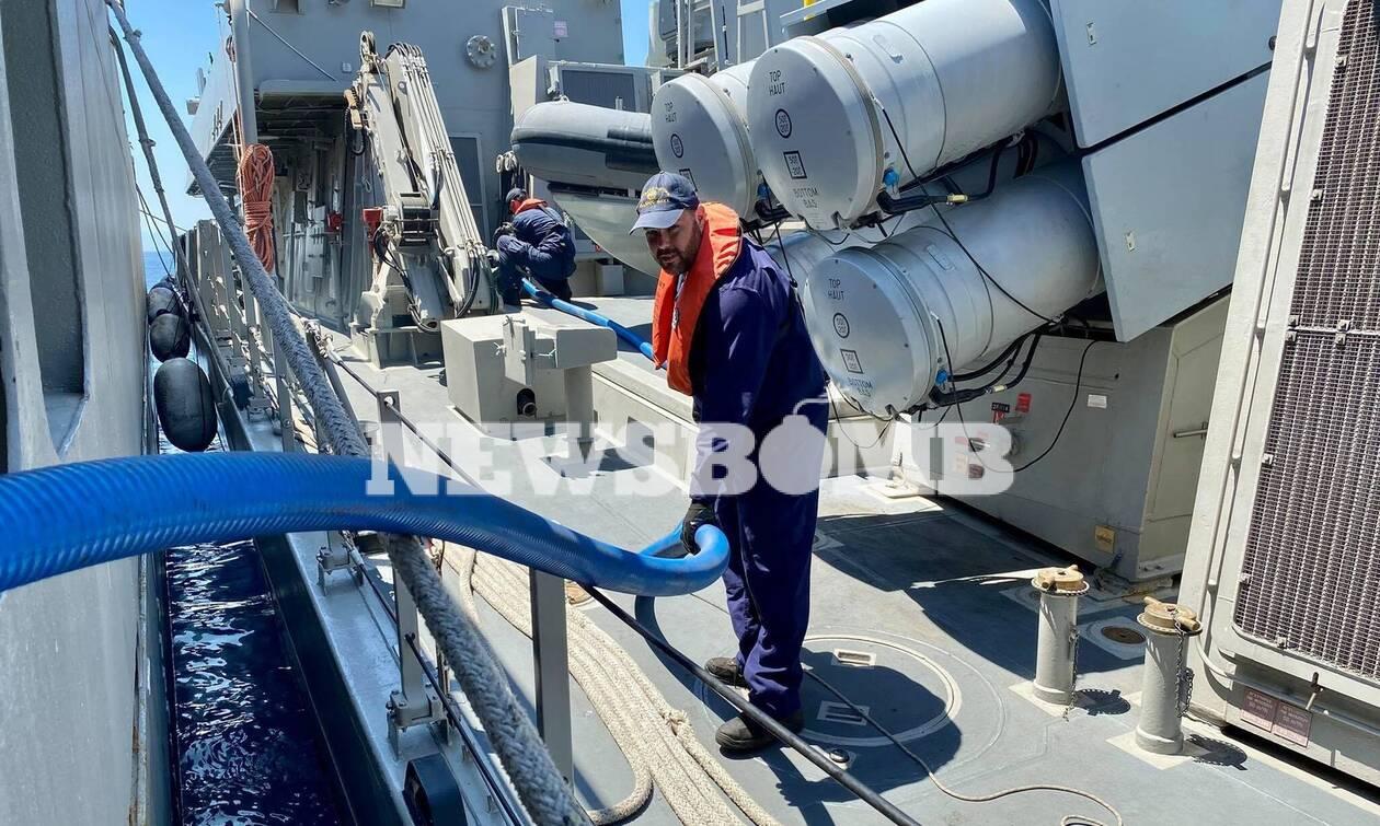 Πολεμικό Ναυτικό: Εντυπωσιακά βίντεο με τη διαδικασία πετρέλευσης μεταξύ δύο πλοίων