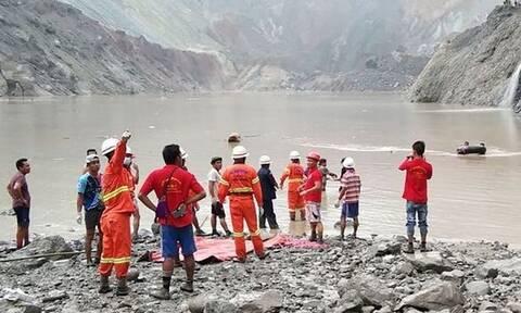 Τραγωδία στη Μιανμάρ: Κατέρρευσε ορυχείο - 113 νεκροί (pics)