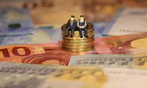 Επικουρικές συντάξεις: Τριπλή πληρωμή τον Ιούλιο - Πότε θα πληρωθούν οι συνταξιούχοι