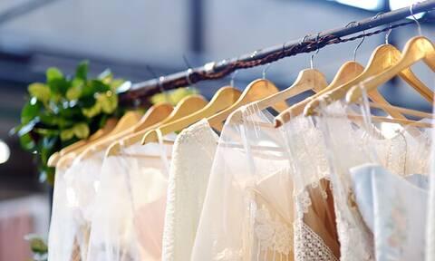 Δεν έχετε δει πιο άσχημα φορέματα αποφοίτησης (vid)