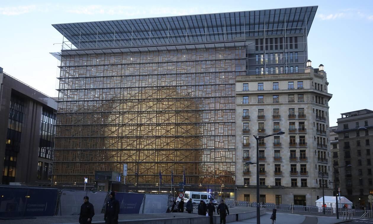 «Ποντικοί» στο Ευρωκοινοβούλιο: «Ξάφρισαν» τα γραφεία 50 ευρωβουλευτών