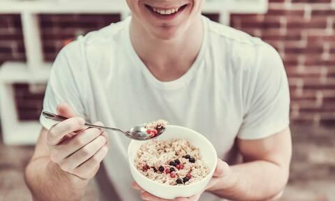 Αυτές είναι οι τροφές που σου ανεβάζουν τη διάθεση!