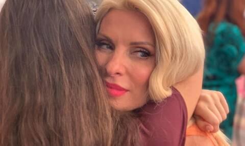 Ελένη Μενεγάκη: «Μη με παρεξηγήσετε... θα είμαι πάντα η Ελένη σας»