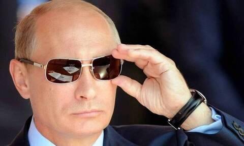 Πανηγυρισμοί στο Κρεμλίνο για τον Πούτιν