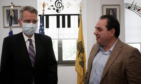 Επίσκεψη του Αμερικανού πρέσβη και του Αρχιεπισκόπου στο «Δημήτρειο»