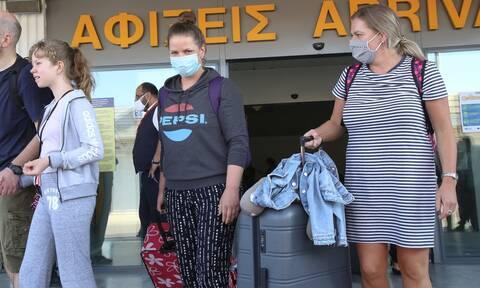 Κορονοϊός: Πού εντοπίζονται τα 28 νέα κρούσματα - Θετικός ταξιδιώτης από Ινδία