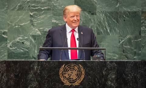 Θετικός στον κορονοϊό πολιτικός - Ήταν σε συγκέντρωση του Τραμπ