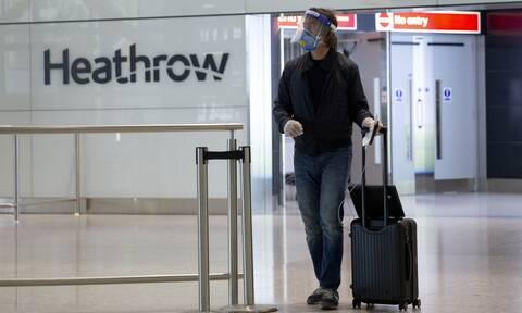 Πτήσεις: Δική της λίστα κορονοϊού ετοιμάζει η Βρετανία - Τι προβλέπει για την Ελλάδα