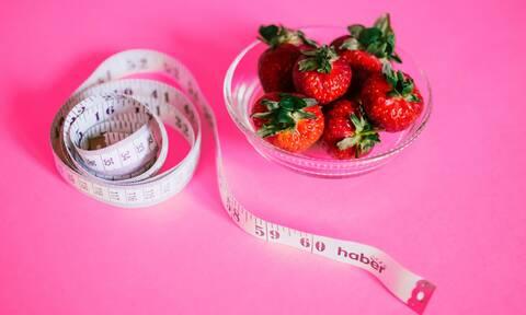 Πώς θα καταφέρετε να χάσετε τα πέντε κιλά χωρίς να πεινάσετε (vid)