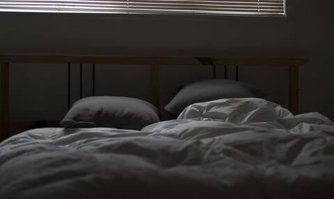 Κορονοϊός: Ξενοδοχεία «υγειονομικές βόμβες» - Τι βρήκαν πάνω στα έπιπλα