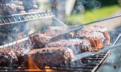 Carnivore diet: Πώς θα σας βοηθήσουν οι πρωτεΐνες να χάσετε κιλά