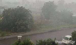 Καιρός: Ισχυρές καταιγίδες και χαλάζι - Πού εντοπίζονται προβλήματα
